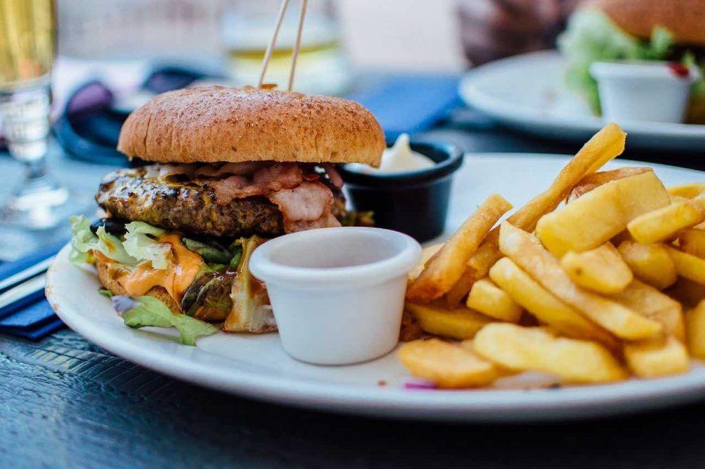 alimentacion-espacial-comida-feliz