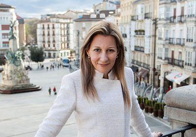 Eva Garcia Saenz de Urturi escritoras famosas españolas actuales